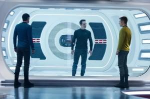 Star_Trek_Into_Darkness_Kirk_Spock_Cumberbatch-610x406