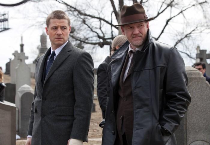 Gotham Review Fox Ben McKenzie and Donal Logue.