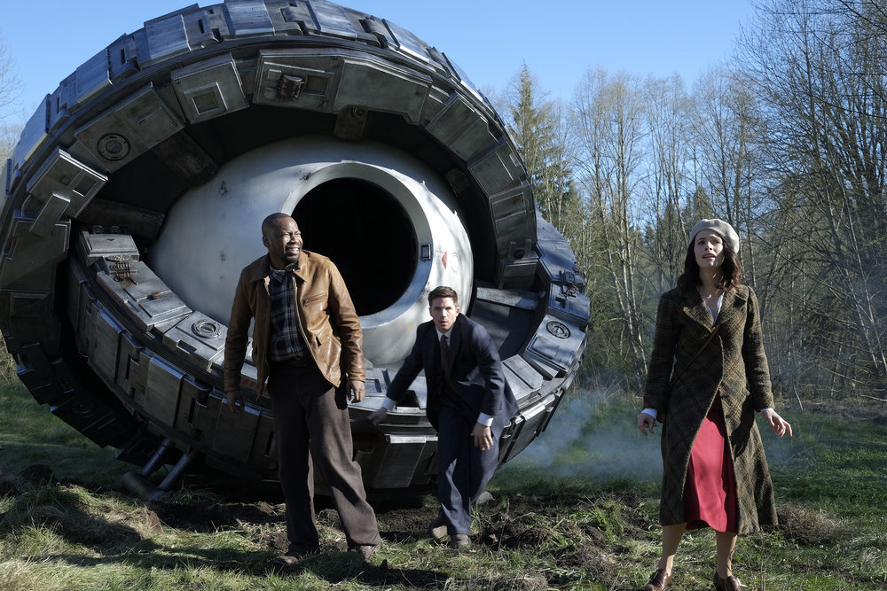 "TIMELESS Review -- ""Pilot"" -- Pictured: (l-r) Malcolm Barrett as Rufus Carlin, Matt Lanter as Wyatt Logan, Abigail Spencer as Lucy Preston"