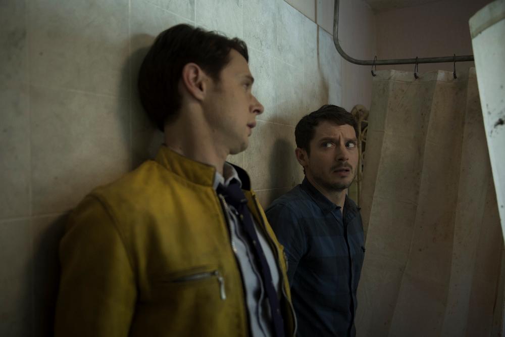 Dirk Gently's Holistic Detective Agency, Season 1, Episode 2, Dirk Gently (Samuel Barnett) and Todd (Elijah Wood)